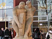 """""""Mens en Techniek"""" - verplaatsing en restauratie van het beeld van Jannie Boukje Kruijer-Ducro"""