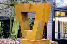 Cor-ten stalen beelden van Niko de Wit t.b.v. een expositie in Studio van Dusseldorp in Tilburg