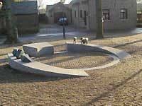 Nicolas Dings - omgevingsproject - Catsop te Stein, Limburg - natuursteen, brons en roest vast staal